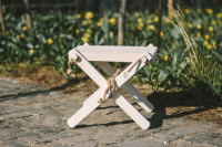 Lilli Drevený stolček Borovica biela