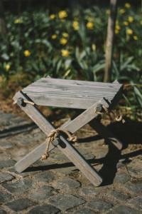 Lilli Drevený stolček Borovica šedá