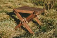 Lilli Drevený stolček Borovica hnedá